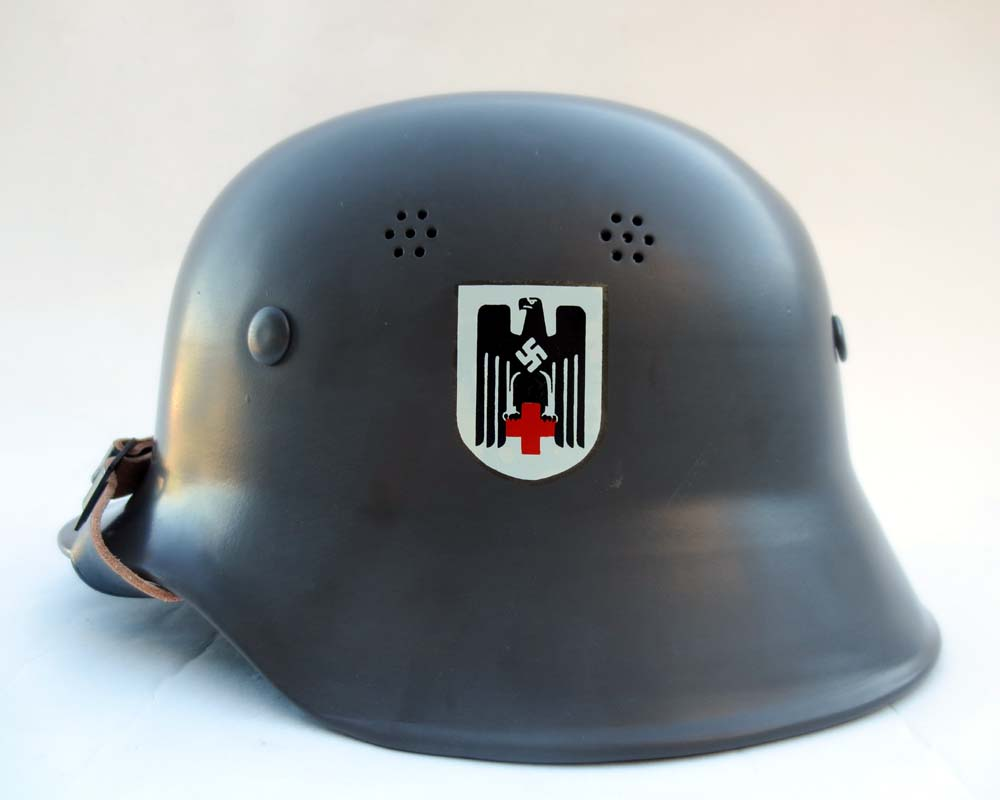 M34 DAK helmet