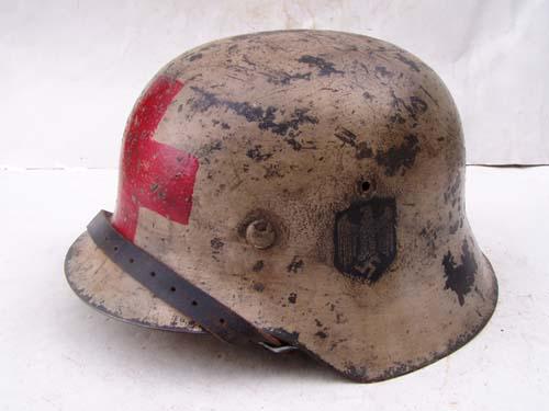 M42 Heer Medic's helmet