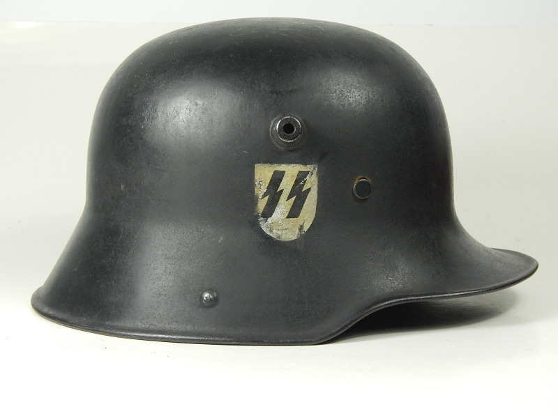 M16 SS-SS-Verfügungstruppe black parade helmet with hand rendered insignia. This helmet likely dates to 1935