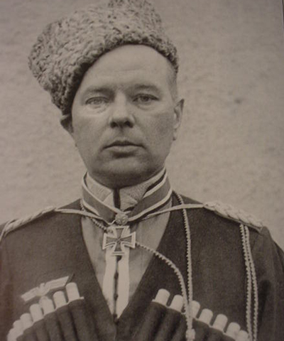 General Helmuth v. Pannwitz in Cossack garb. The man who choose to remain with his men and die