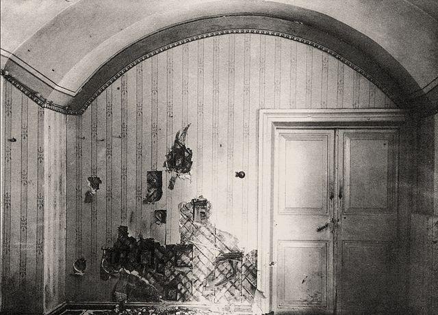 640px-Ipatiev_House_-_Cellar_room