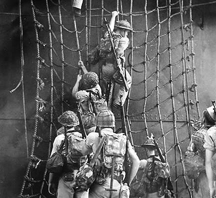 Samoa_cargo_net_Marines