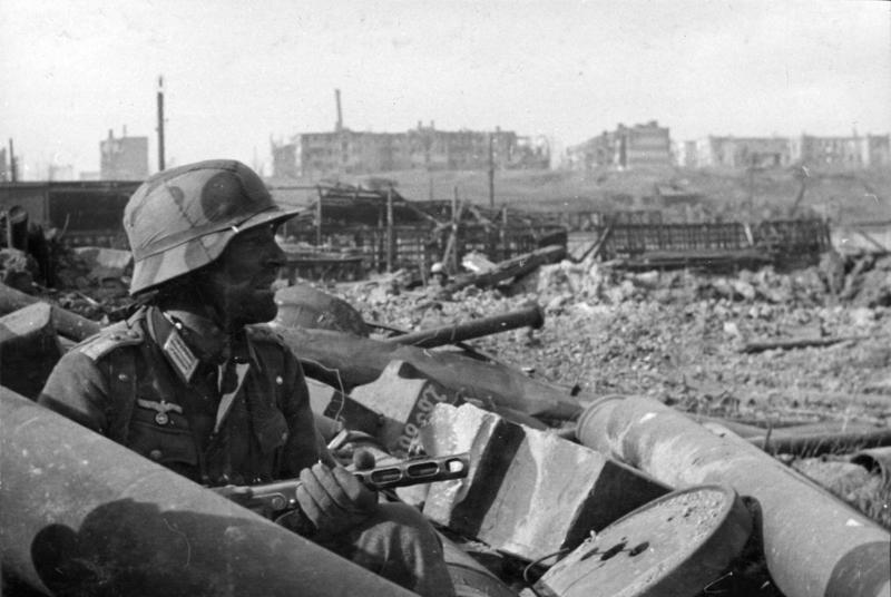 6a90cb4e278 The German Helmet of Stalingrad