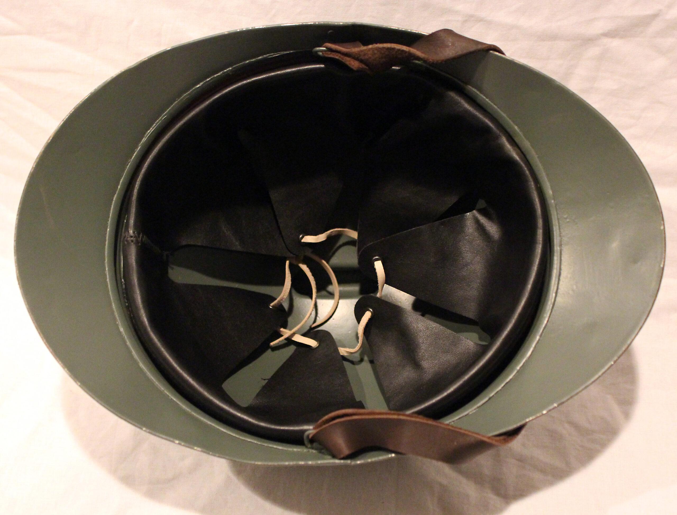M15 Adrian helmet, Italian use